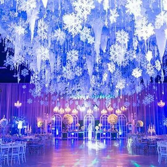 Snowflakes & Icicles Ceiling Decor